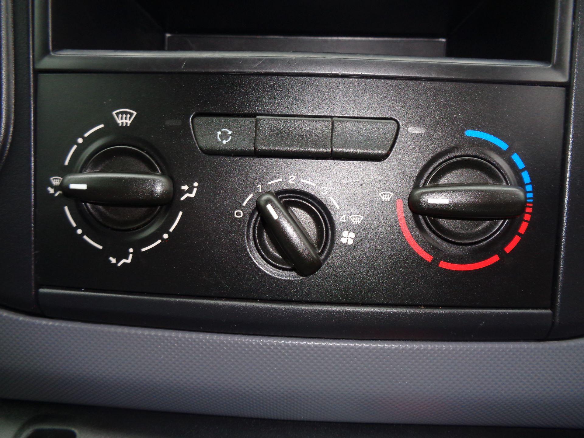 2016 Peugeot Partner L1 850 S 1.6 92PS [SLD] EURO 5 (NX16YOY) Image 21