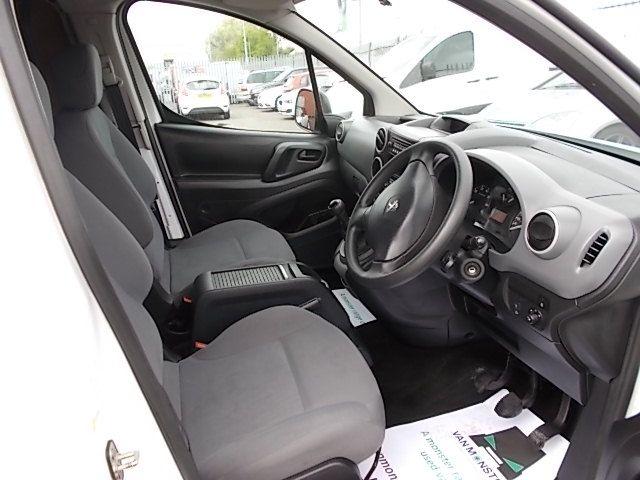 2016 Peugeot Partner L1 850 S 1.6 92PS [SLD] EURO 5 (NX16YRJ) Image 14