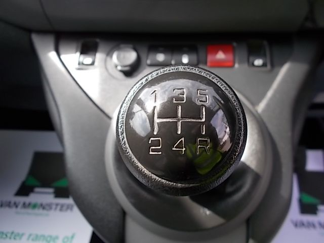 2016 Peugeot Partner L1 850 S 1.6 92PS [SLD] EURO 5 (NX16YSB) Image 18