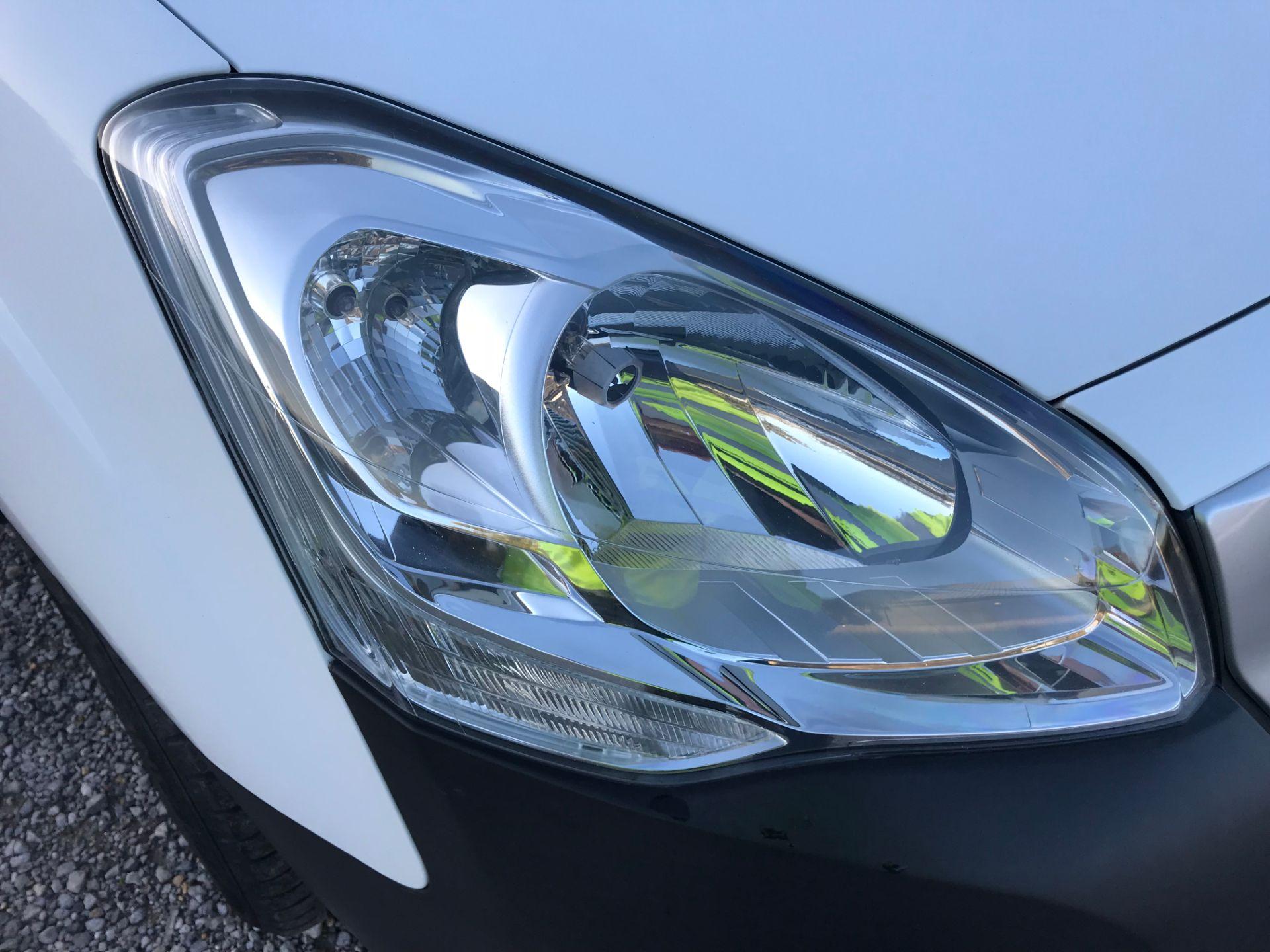 2017 Peugeot Partner 850 1.6 Bluehdi 100 Professional Van [Non Ss] (NX17HVT) Image 32