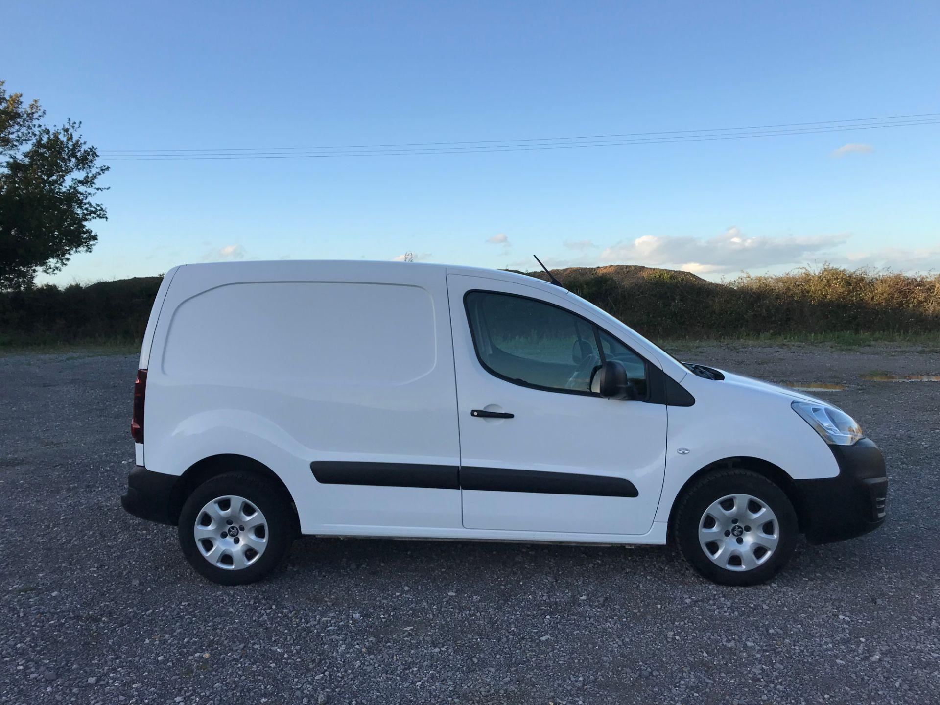 2017 Peugeot Partner 850 1.6 Bluehdi 100 Professional Van [Non Ss] (NX17HVT) Image 7