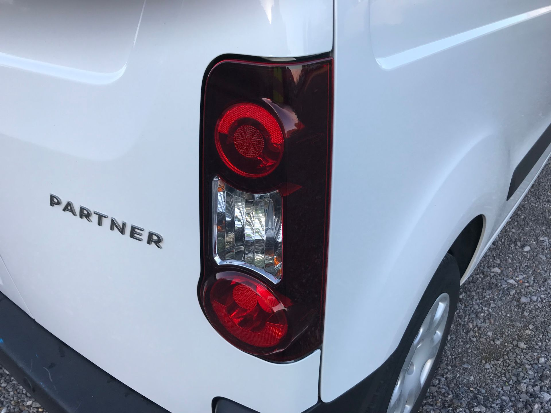 2017 Peugeot Partner 850 1.6 Bluehdi 100 Professional Van [Non Ss] (NX17HVT) Image 38