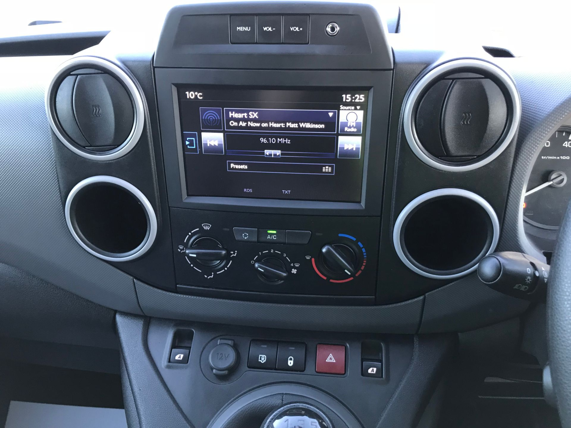 2017 Peugeot Partner 850 1.6 Bluehdi 100 Professional Van [Non Ss] (NX17HVT) Image 22