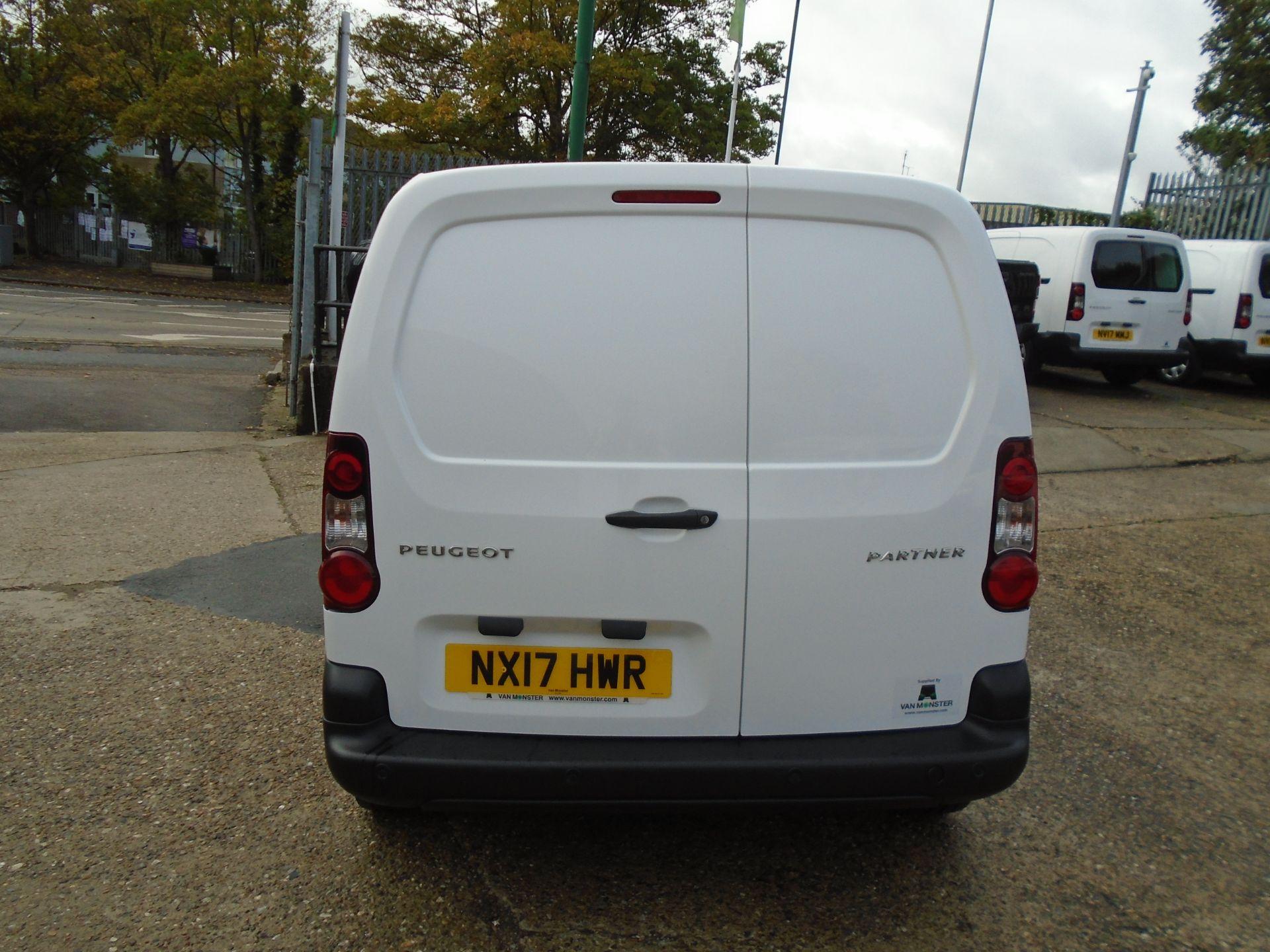 2017 Peugeot Partner 850 1.6 Bluehdi 100 Professional Van [Non Ss] (NX17HWR) Image 5