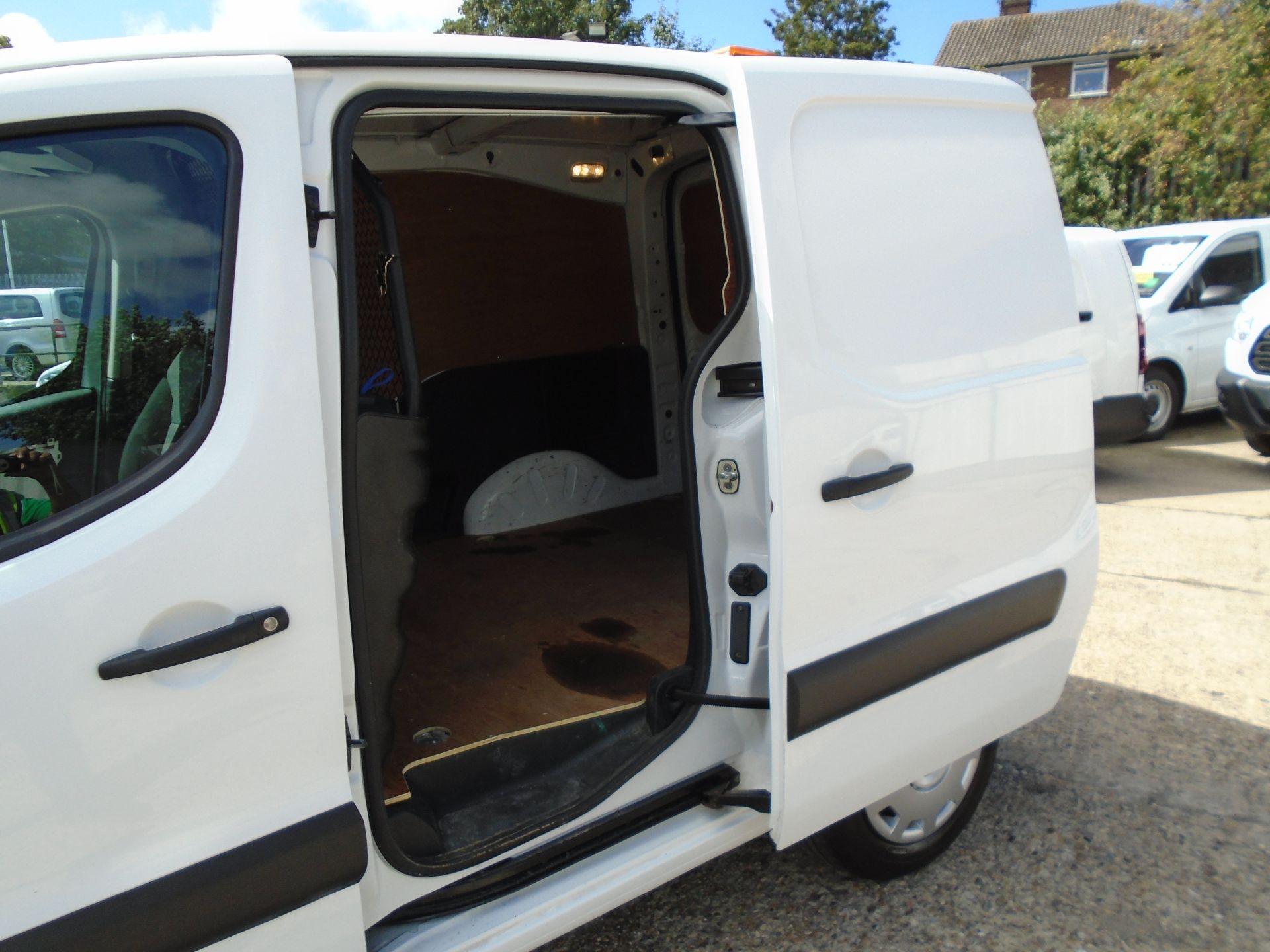 2017 Peugeot Partner 850 1.6 Bluehdi 100 Professional Van [Non Ss] (NX17TGN) Image 8