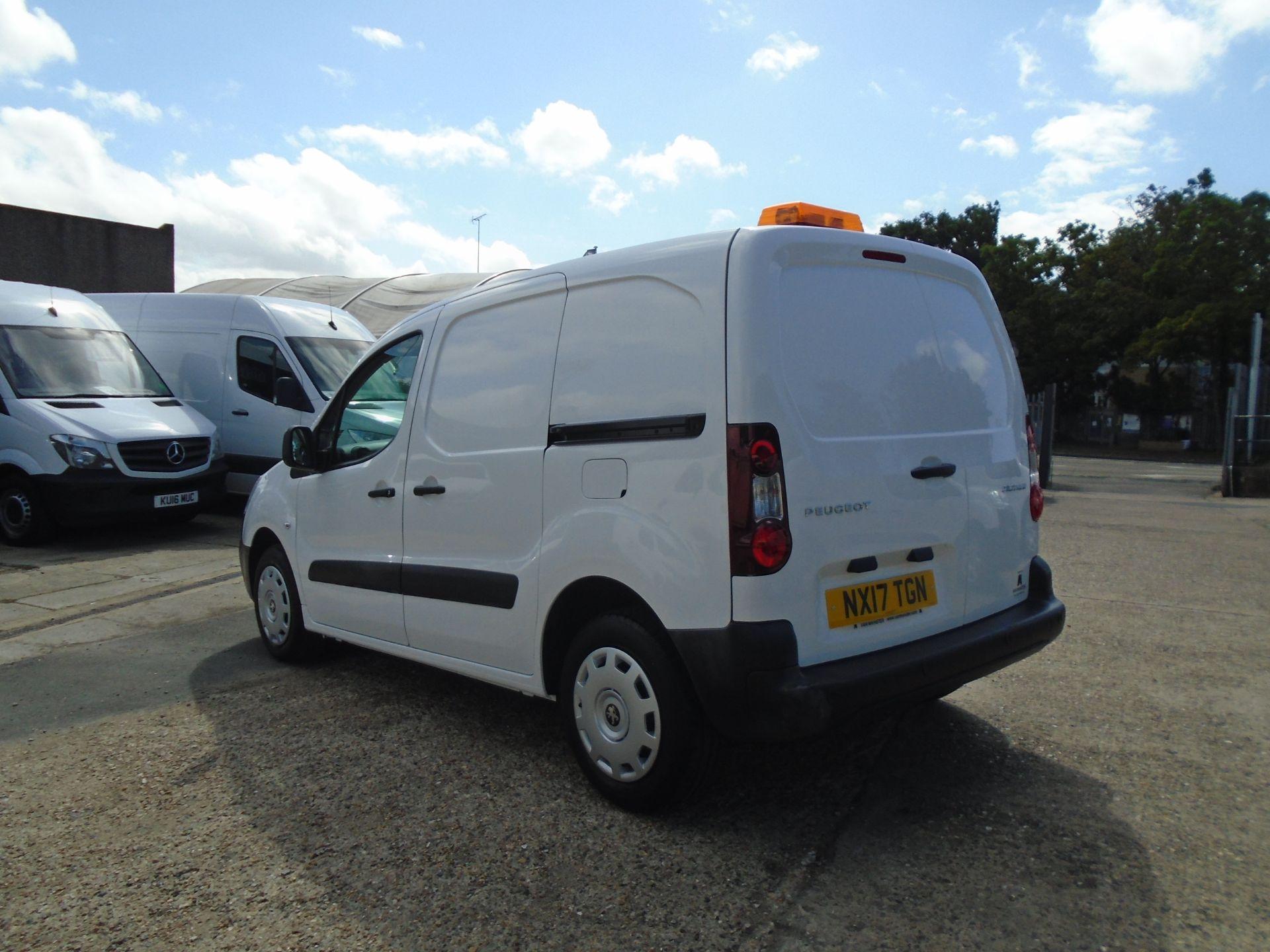 2017 Peugeot Partner 850 1.6 Bluehdi 100 Professional Van [Non Ss] (NX17TGN) Image 4