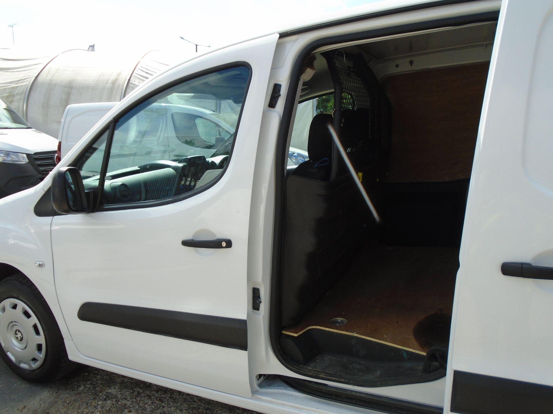 2017 Peugeot Partner 850 1.6 Bluehdi 100 Professional Van [Non Ss] (NX17TGN) Image 9