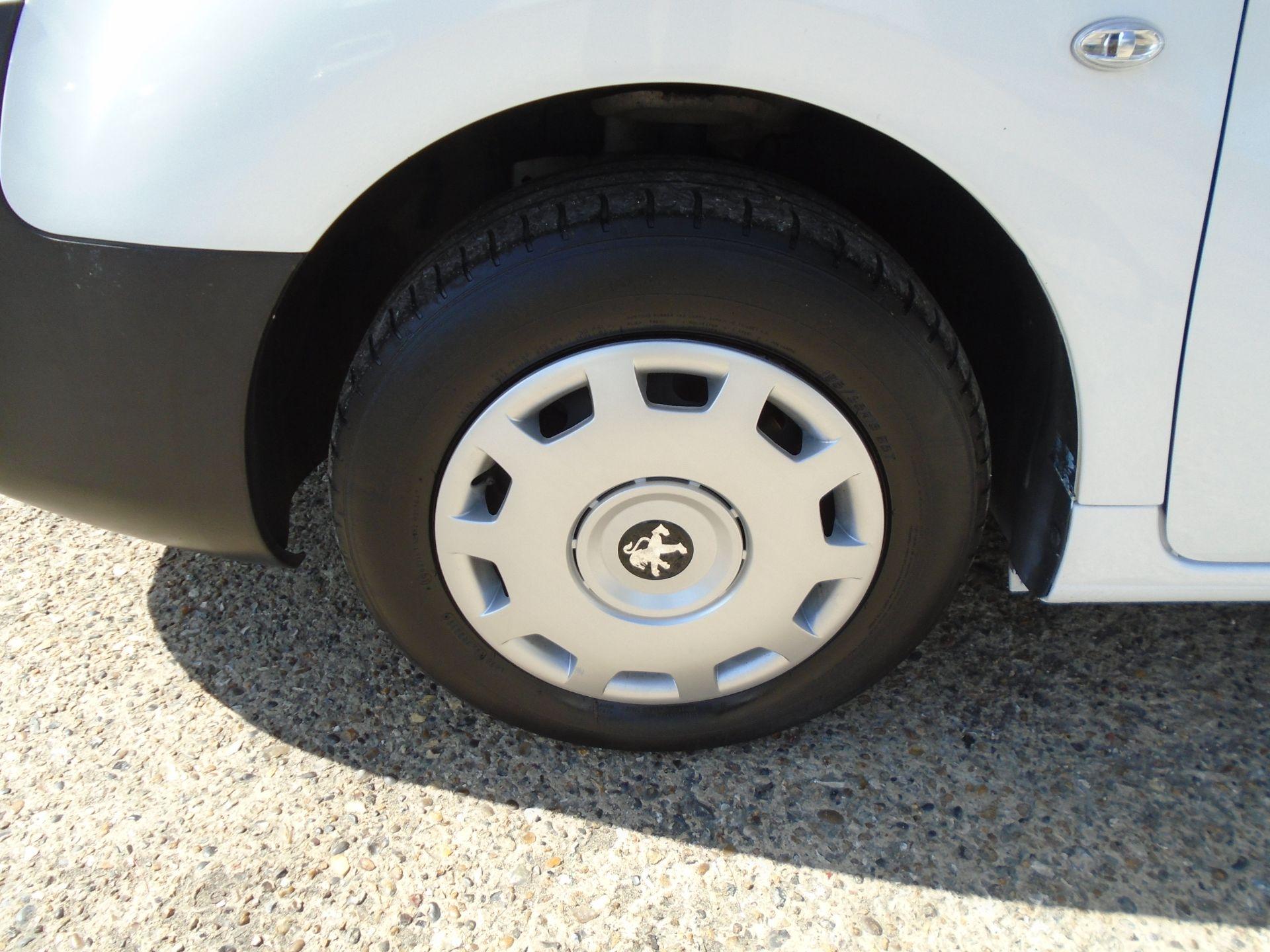 2017 Peugeot Partner 850 1.6 Bluehdi 100 Professional Van [Non Ss] (NX17TGN) Image 32