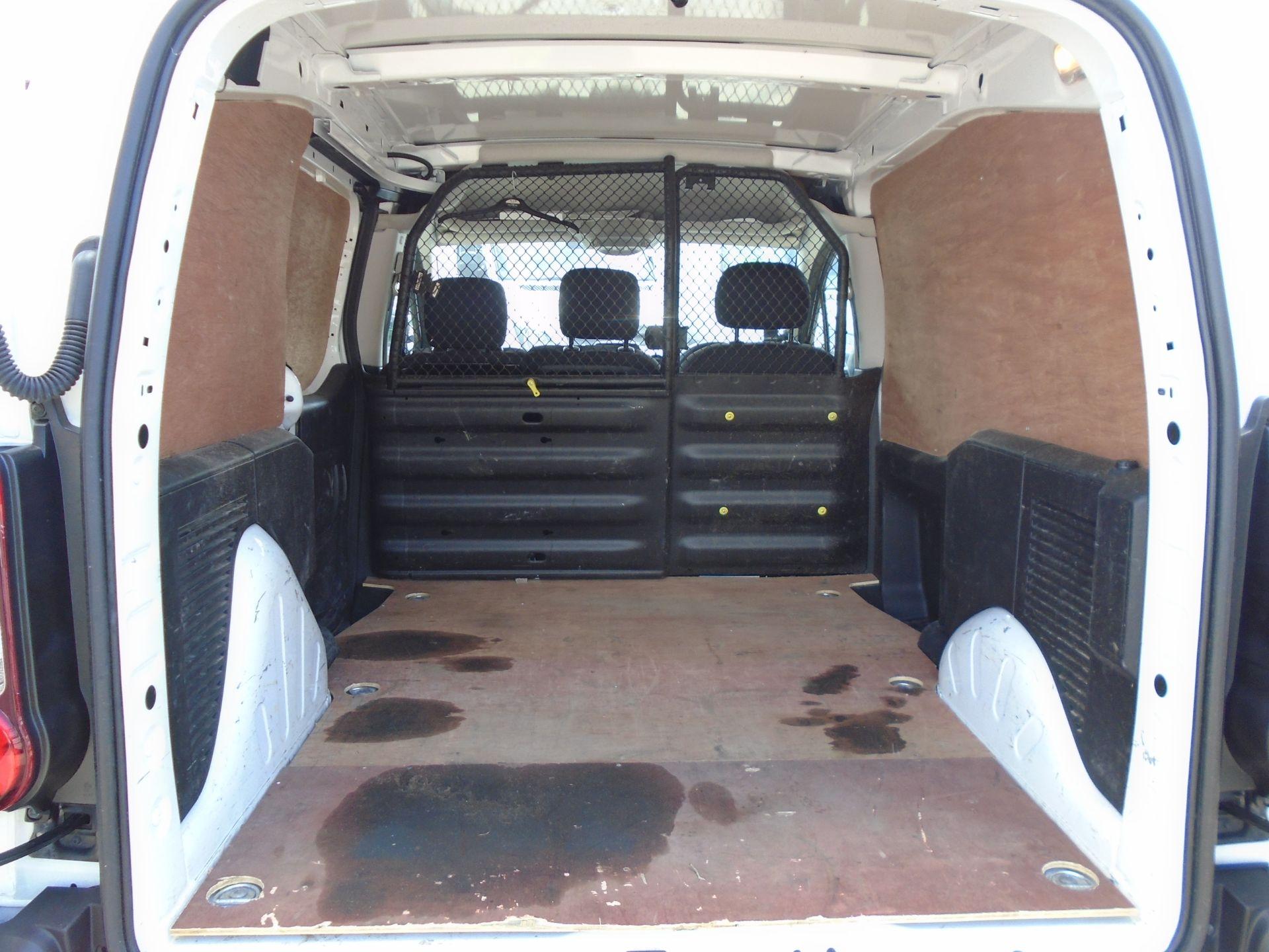 2017 Peugeot Partner 850 1.6 Bluehdi 100 Professional Van [Non Ss] (NX17TGN) Image 15