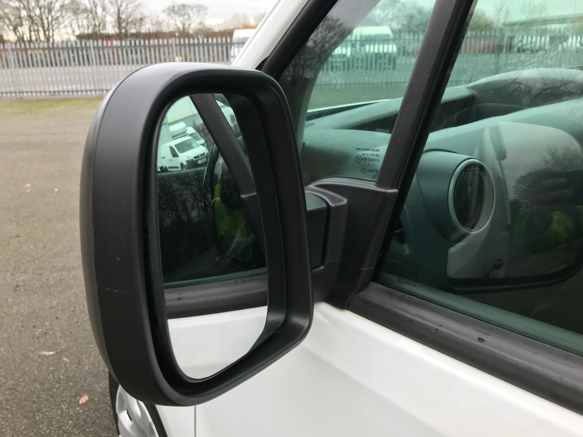 2017 Peugeot Partner L1 850 1.6 BLUEHDI 100 PROFESSIONAL (NON S/S)EURO 6 (NX17TLV) Image 13
