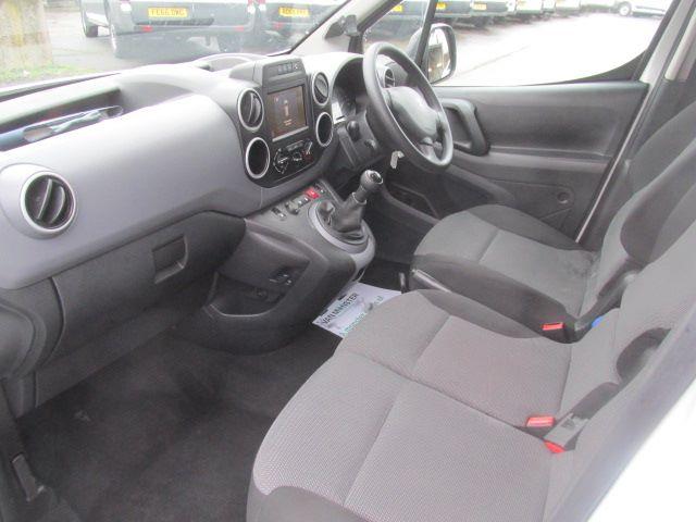 2017 Peugeot Partner L1 850 1.6 Bluehdi 100PS Professional Van [Non S/S] (NX17TNE) Image 11