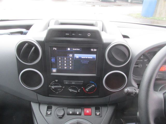 2017 Peugeot Partner L1 850 1.6 Bluehdi 100PS Professional Van [Non S/S] (NX17TNE) Image 18