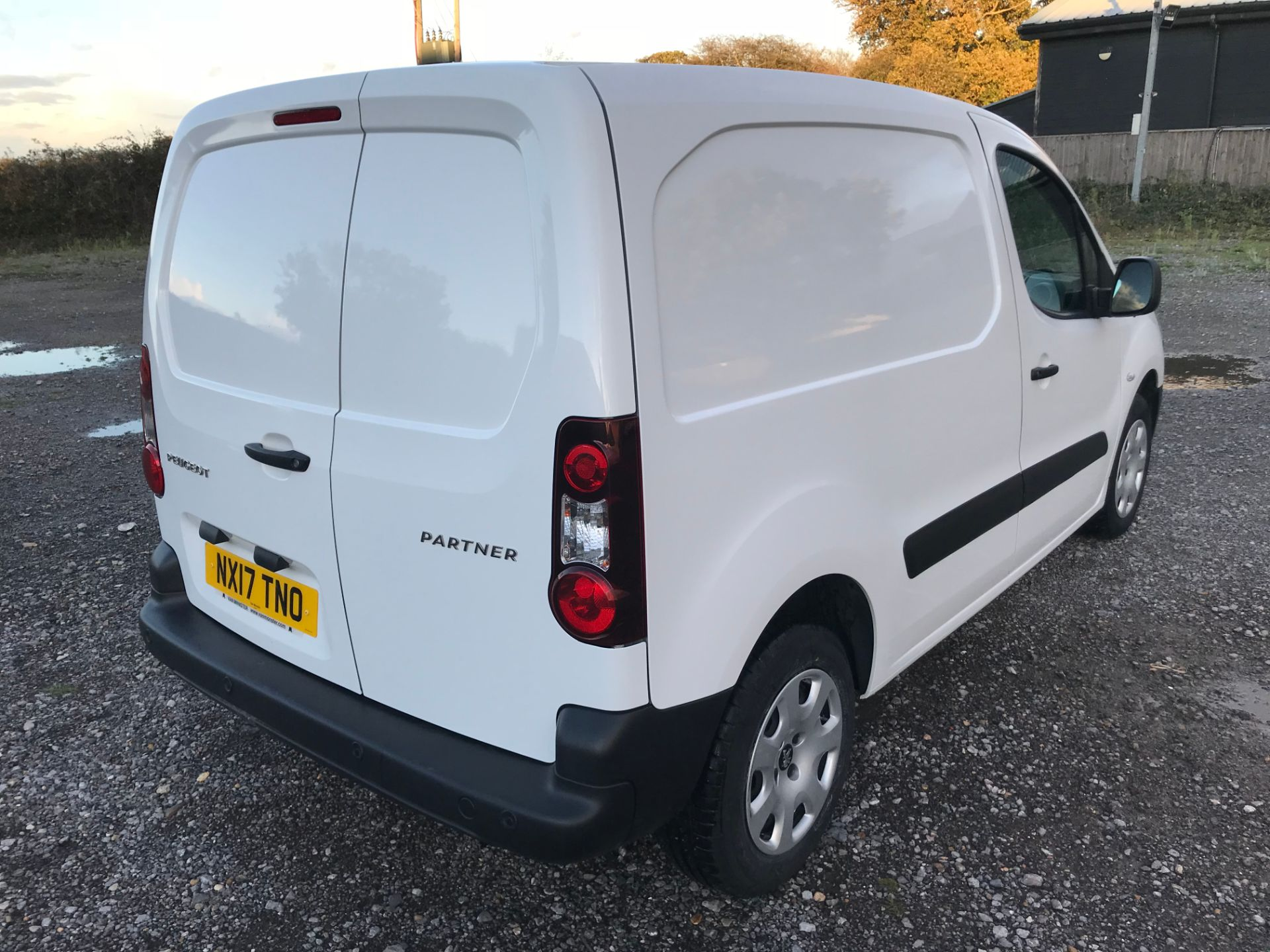 2017 Peugeot Partner 850 1.6 Bluehdi 100 Professional Van [Non Ss] (NX17TNO) Image 4