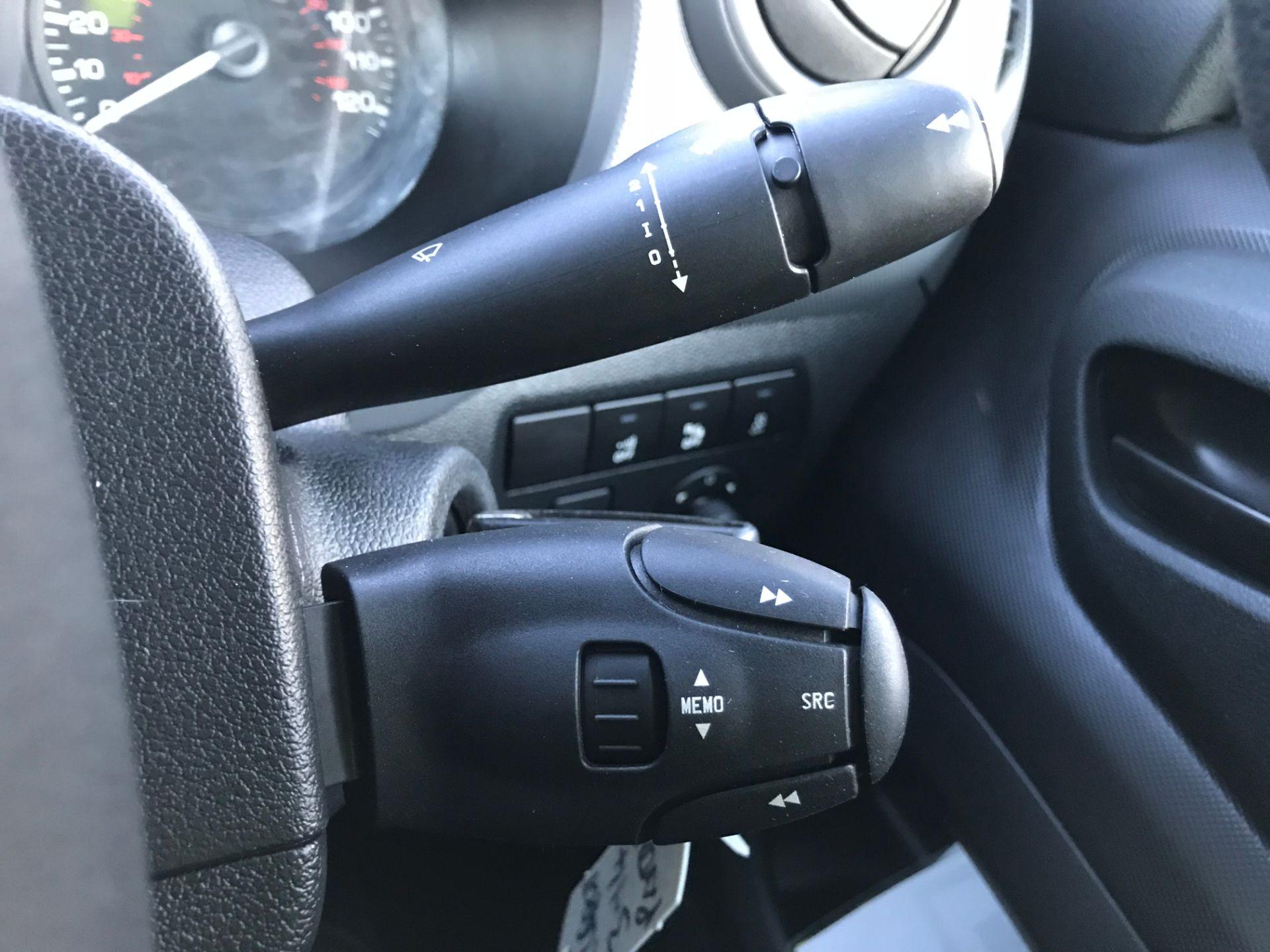 2017 Peugeot Partner 850 1.6 Bluehdi 100 Professional Van [Non Ss] (NX17TNO) Image 32
