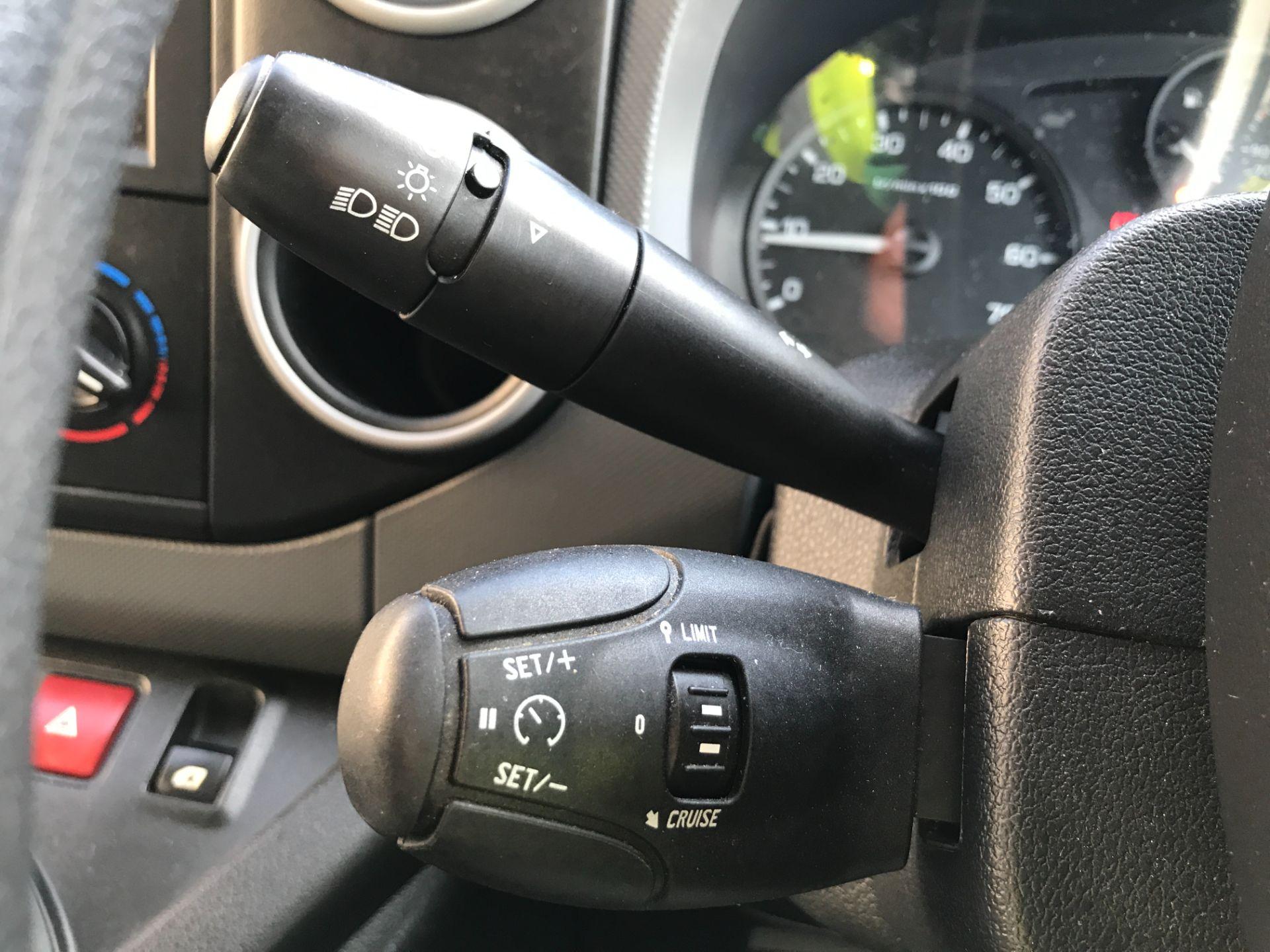 2017 Peugeot Partner L1 850 1.6BLUEHDI 100PS PROFESSIONAL EURO 6 (NX17TOH) Image 23