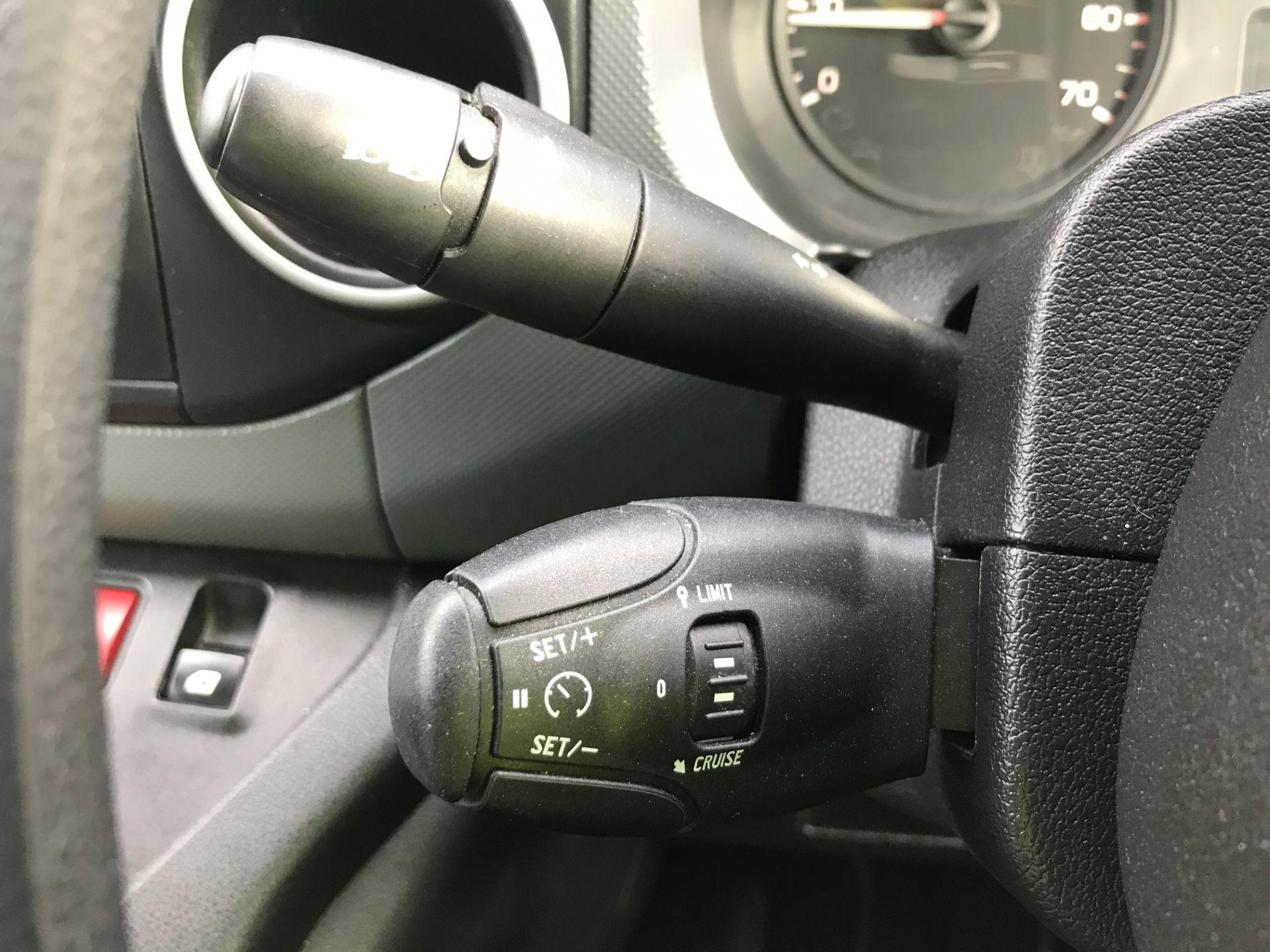 2017 Peugeot Partner L1 850 1.6BLUEHDI 100PS PROFESSIONAL EURO 6 (NX17TOJ) Image 27
