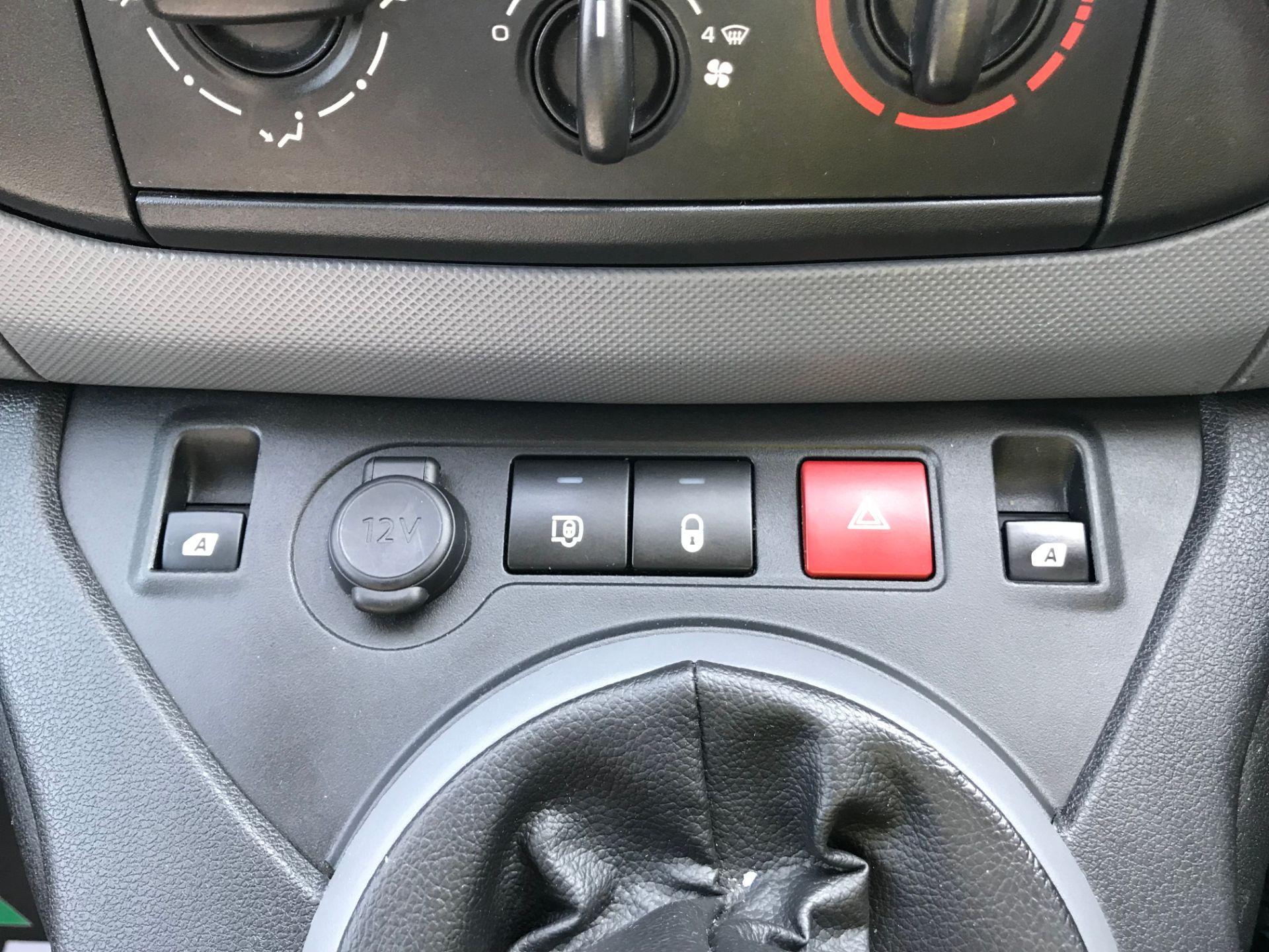 2017 Peugeot Partner 850 1.6 Bluehdi 100 Professional Van [Non Ss] (NX17TSV) Image 29