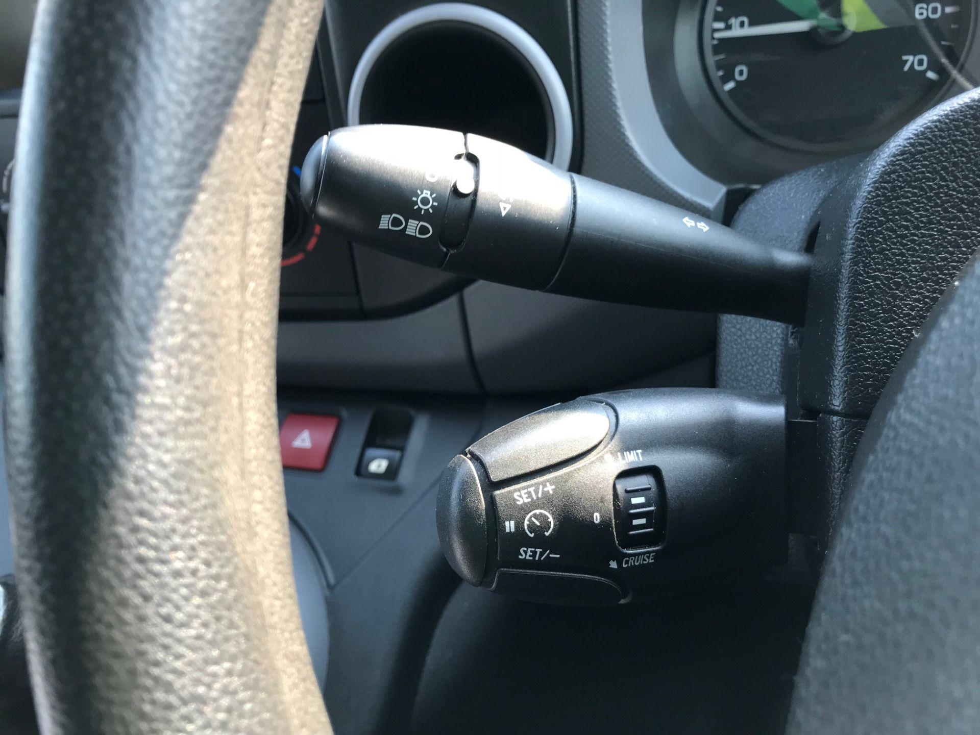 2017 Peugeot Partner 850 1.6 Bluehdi 100 Professional Van [Non Ss] (NX17TSV) Image 31