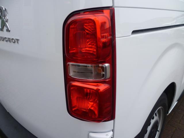 2017 Peugeot Expert 1000 1.6 Bluehdi 95 S Van (NX17XHK) Image 14