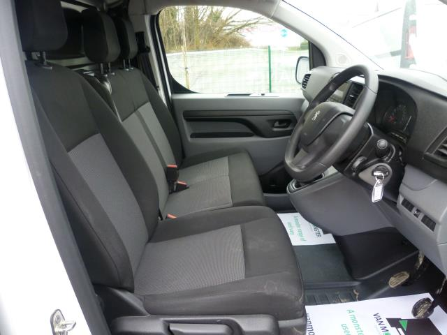 2017 Peugeot Expert 1000 1.6 Bluehdi 95 S Van (NX17XHK) Image 18