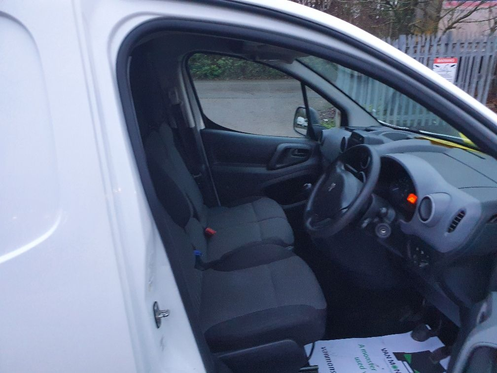 2017 Peugeot Partner 850 1.6 Bluehdi 100 Professional Van [Non Ss] (NX17YUS) Image 5