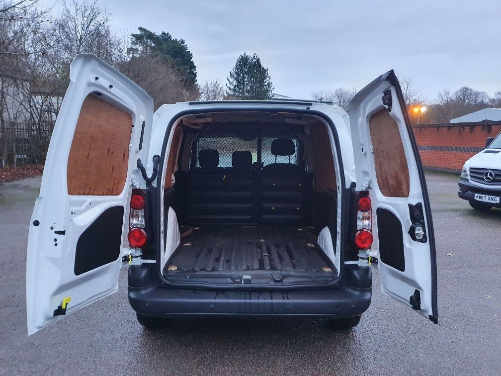 2017 Peugeot Partner 850 1.6 Bluehdi 100 Professional Van [Non Ss] (NX17YUS) Image 11