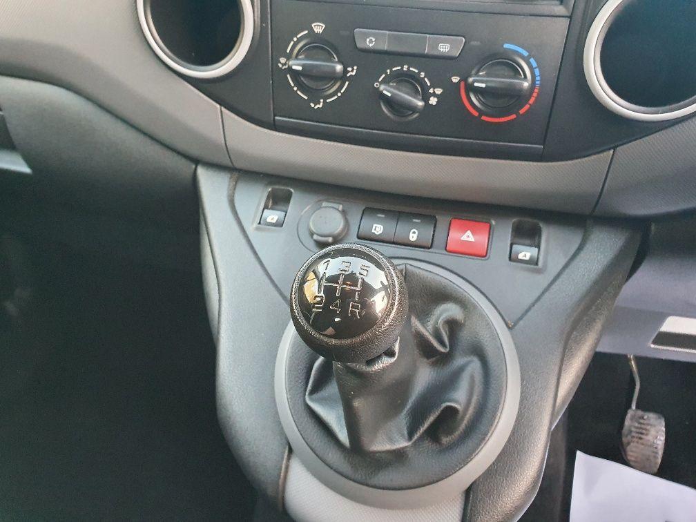 2017 Peugeot Partner 715 S 1.6 Bluehdi 100 Crew Van (NX17YVA) Image 9