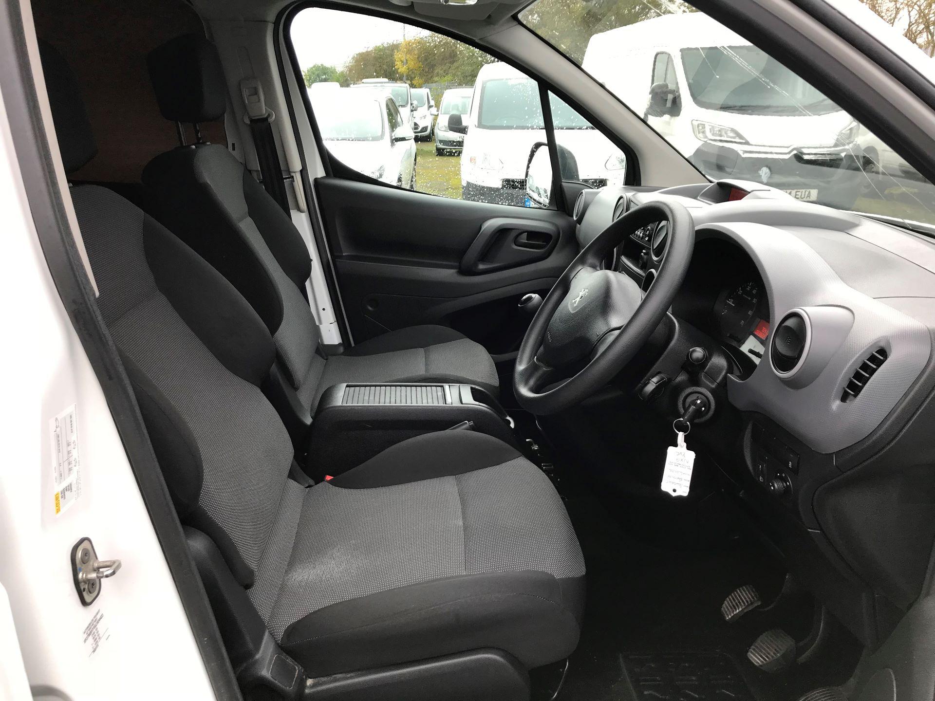 2017 Peugeot Partner 715 S 1.6 Bluehdi 100 Crew Van (NX17YVC) Image 11