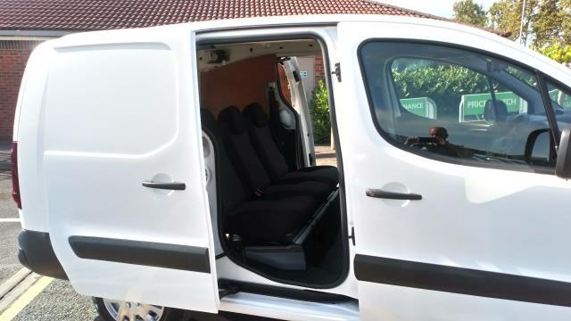 2017 Peugeot Partner 715 S 1.6 Bluehdi 100 Crew Van (NX17YVF) Image 13