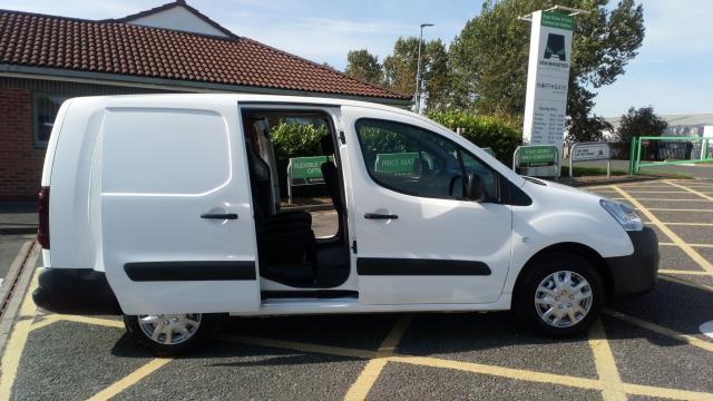 2017 Peugeot Partner 715 S 1.6 Bluehdi 100 Crew Van (NX17YVF) Image 12