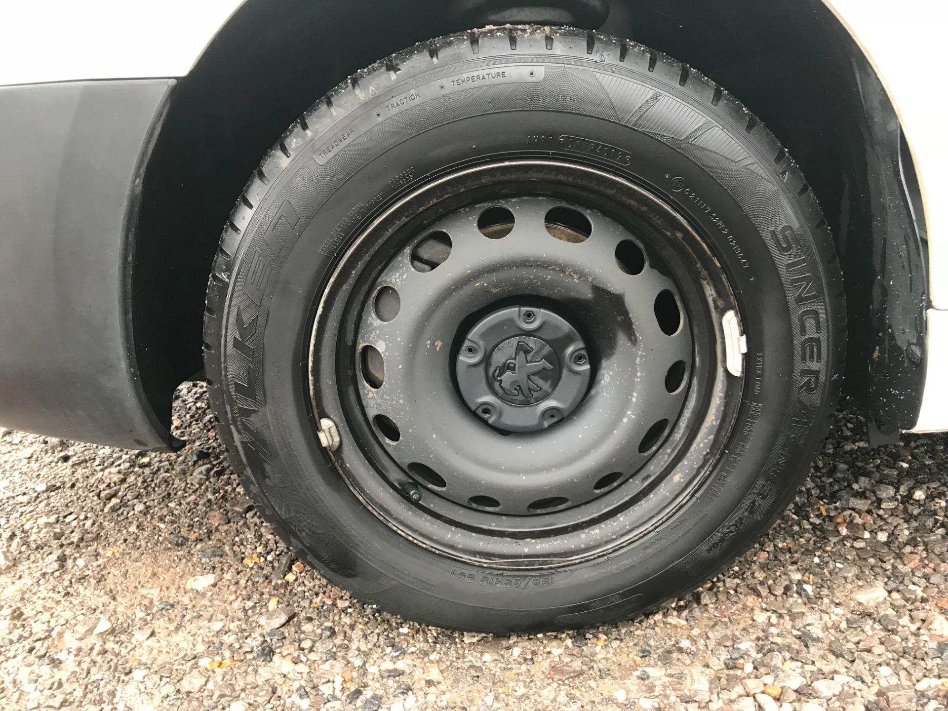 2017 Peugeot Partner 715 S 1.6 Bluehdi 100 Crew Van (NX17YWD) Image 23