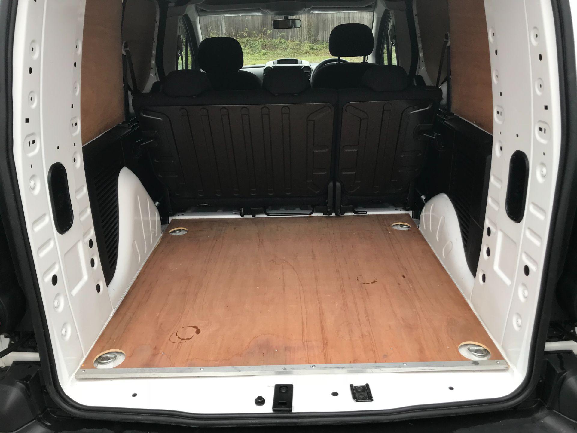 2017 Peugeot Partner 715 S 1.6 Bluehdi 100 Crew Van (NX17YWD) Image 13