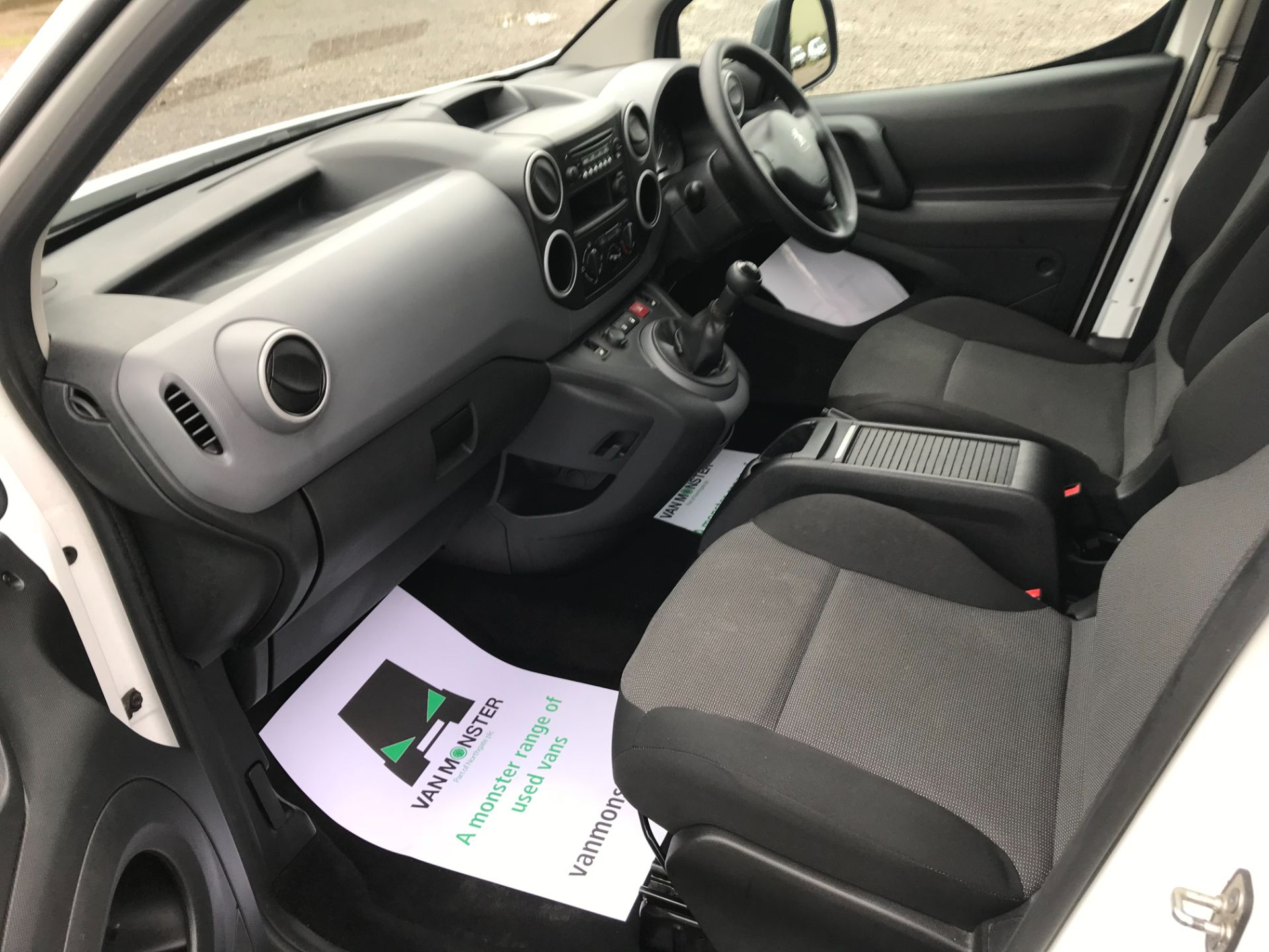 2017 Peugeot Partner 715 S 1.6 Bluehdi 100 Crew Van (NX17YWD) Image 24