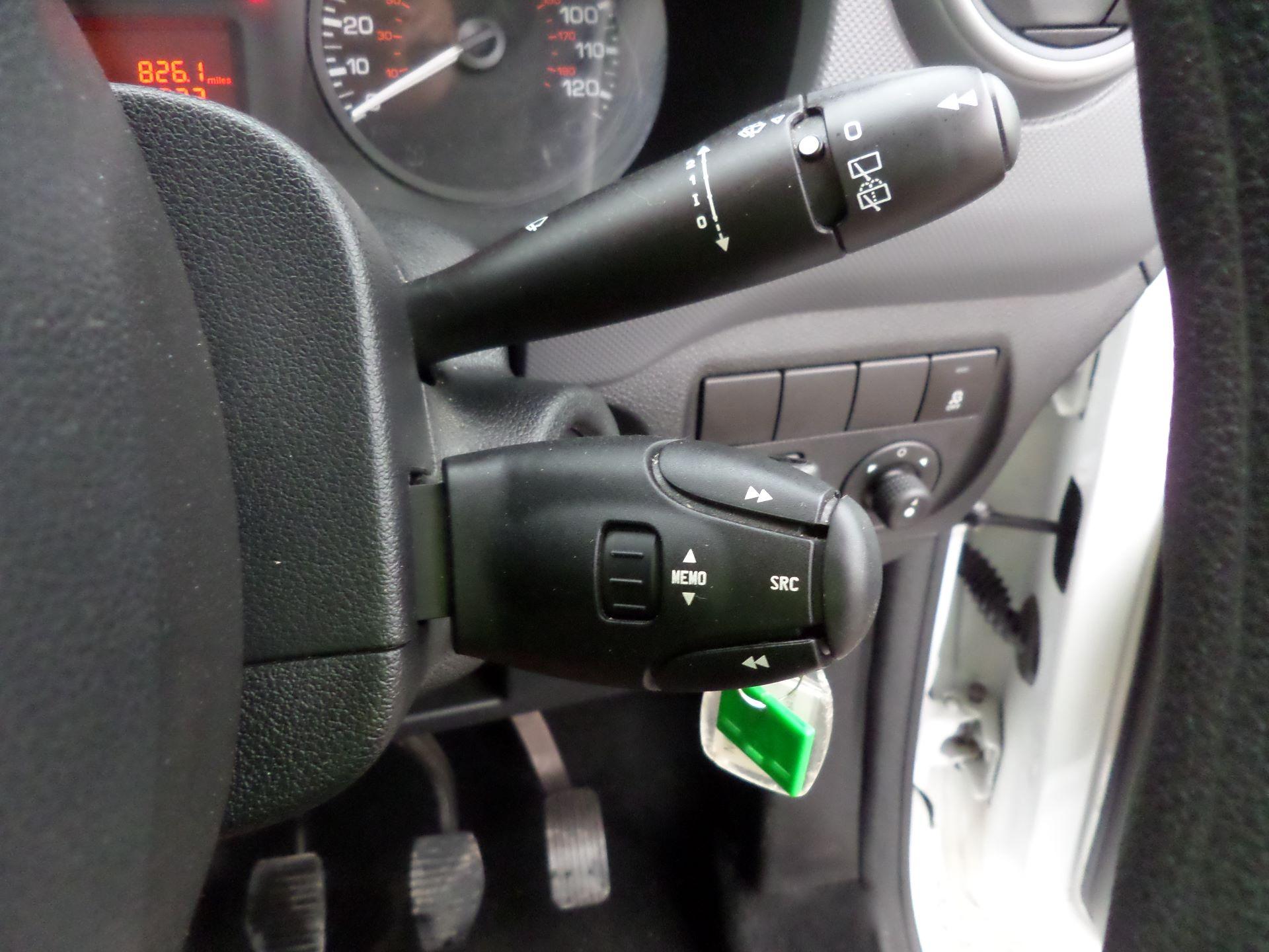 2017 Peugeot Partner 715 S 1.6 Bluehdi 100 Crew Van (NX17YWF) Image 16
