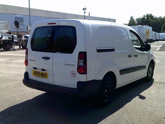 2018 Peugeot Partner 715 S 1.6 Bluehdi 100 L2 Crew Van (NX18WHS) Image 9