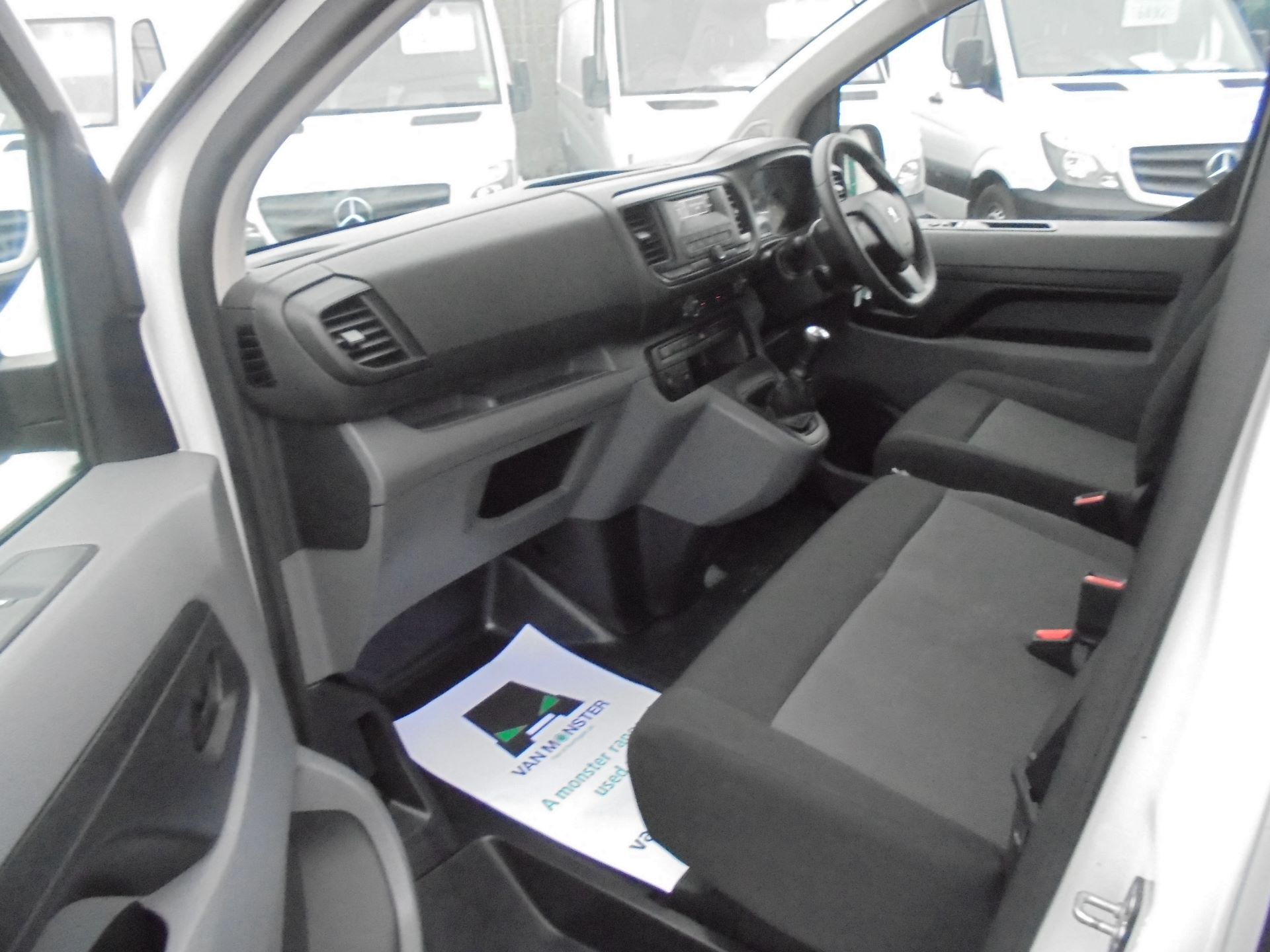 2018 Peugeot Expert  STANDARD 1000 1.6 BLUEHDI 95 S EURO 6 (NX18YDK) Image 17