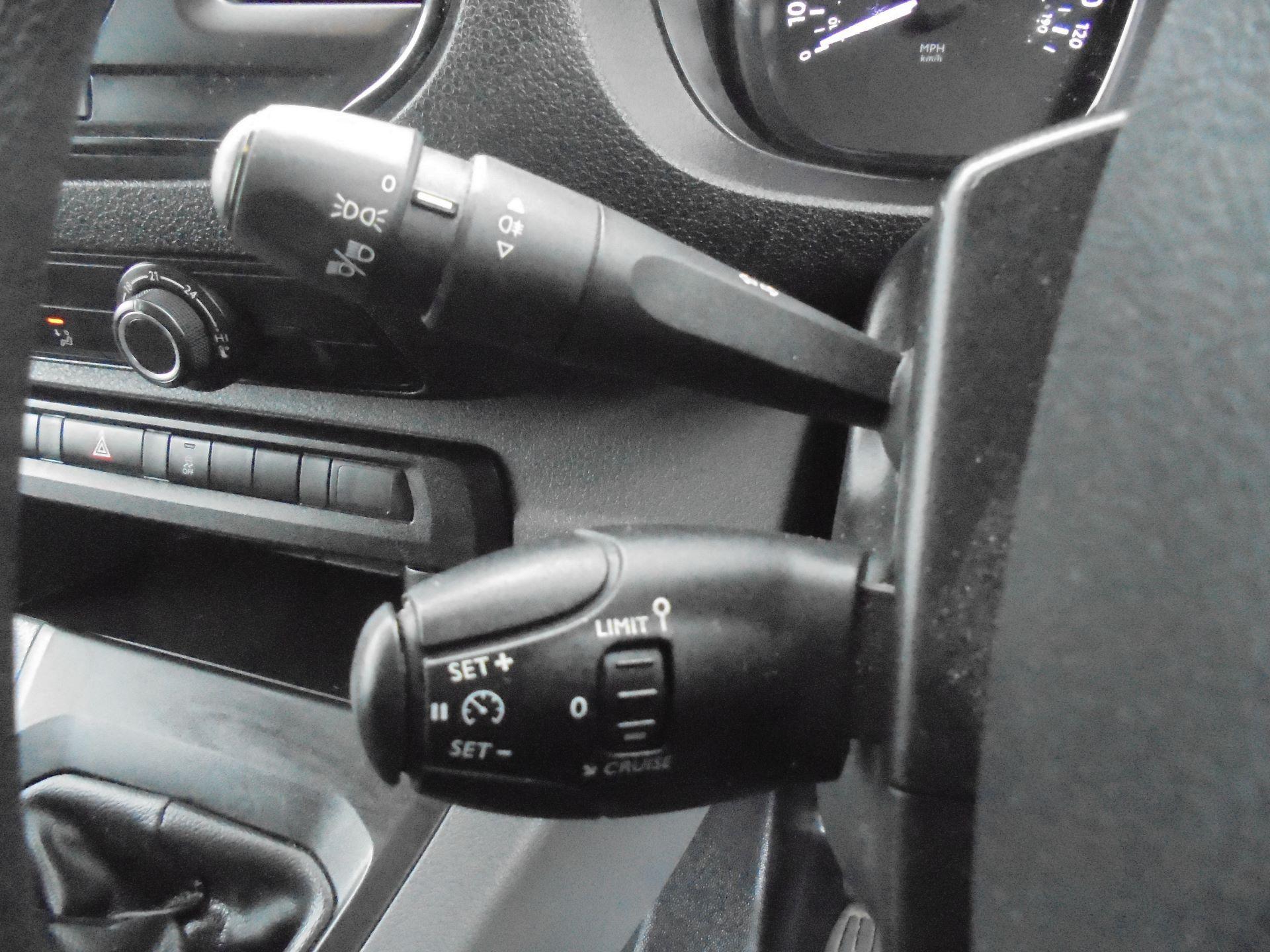 2018 Peugeot Expert  STANDARD 1000 1.6 BLUEHDI 95 S EURO 6 (NX18YDK) Image 20
