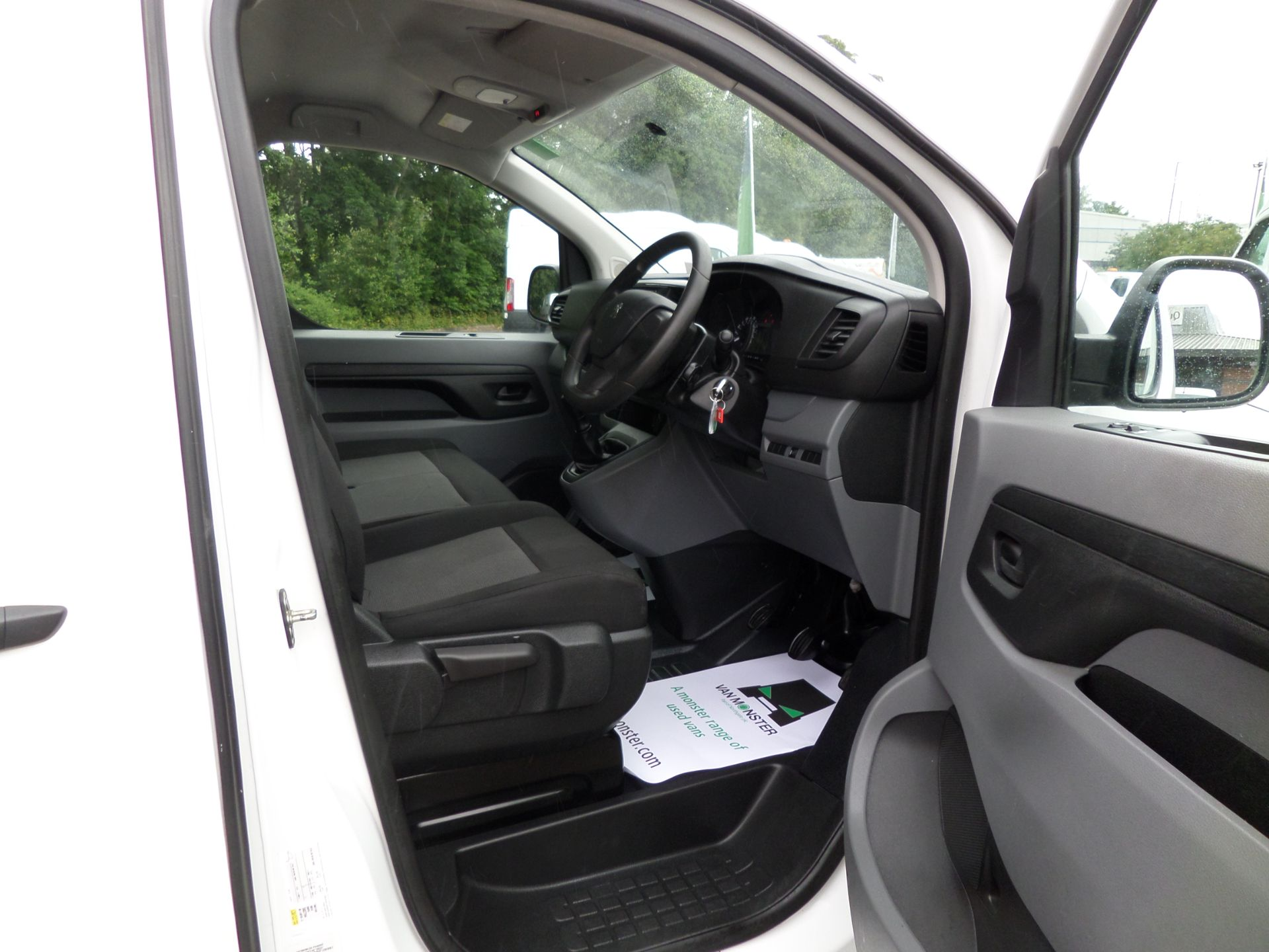 2018 Peugeot Expert 1000 1.6 Bluehdi 95 S Van Euro 6 (NX18YLH) Image 12