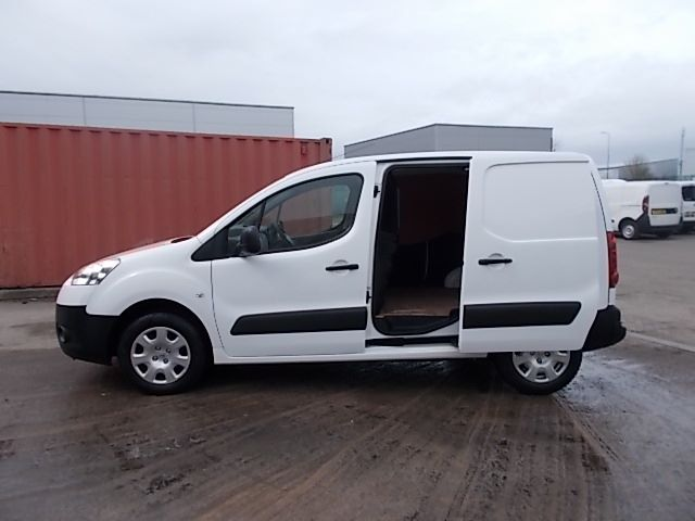 2013 Peugeot Partner L1 850 S 1.6 92PS (SLD) EURO 5 (NX63SVY) Image 10