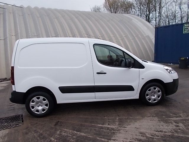 2013 Peugeot Partner L1 850 S 1.6 92PS (SLD) EURO 5 (NX63SVY) Image 8