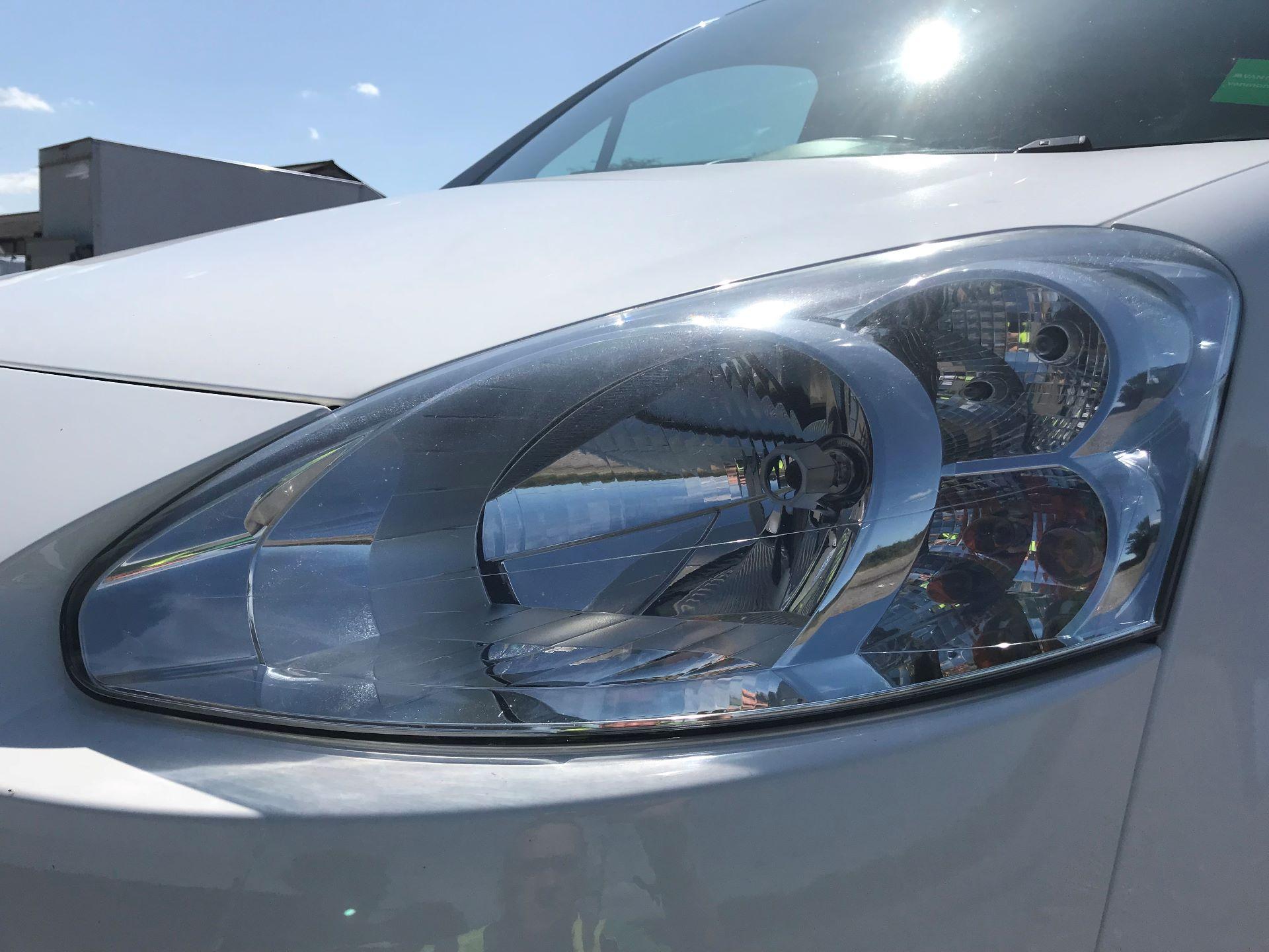 2014 Peugeot Partner L1 850 S 1.6 92PS (SLD) EURO 5 (NX64NZP) Image 17
