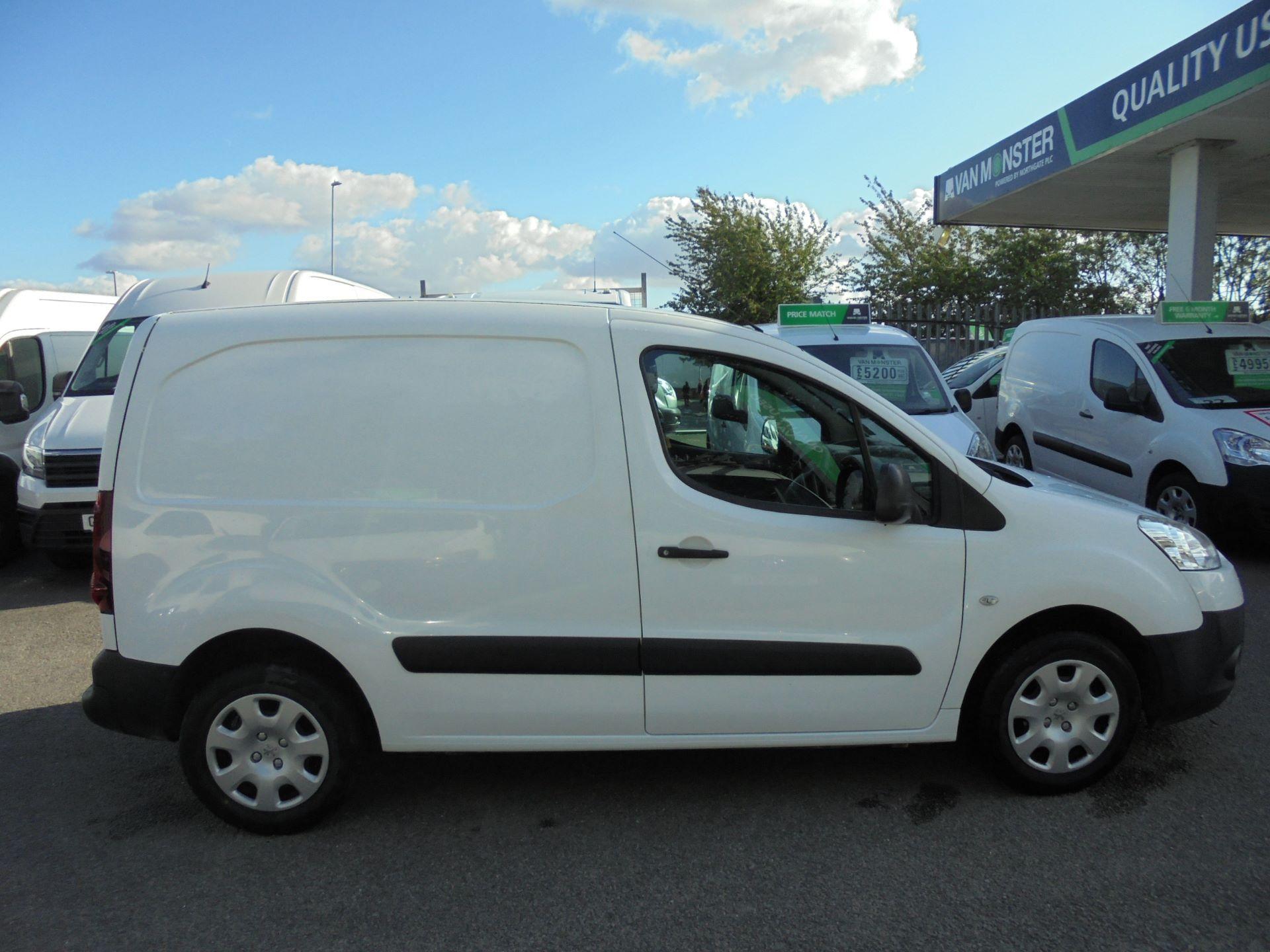 2014 Peugeot Partner  L1 850 S 1.6 92PS EURO 5 (NX64XRB) Image 2