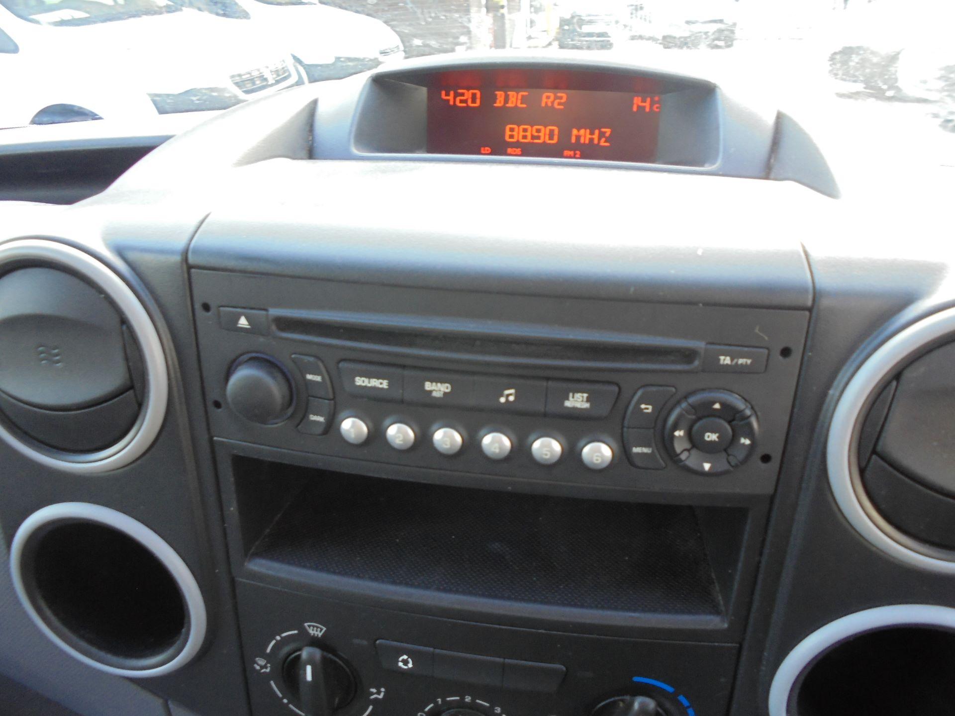 2014 Peugeot Partner  L1 850 S 1.6 92PS EURO 5 (NX64XRB) Image 10
