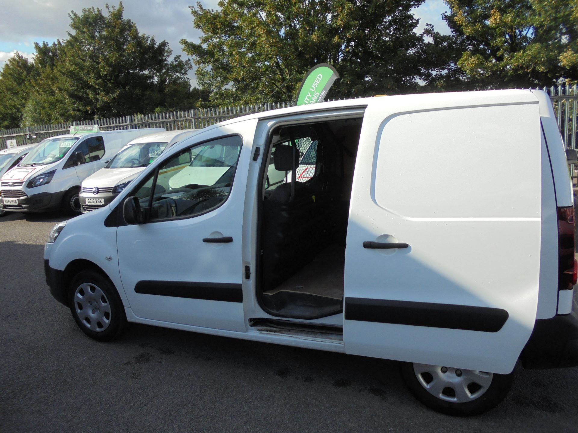 2014 Peugeot Partner  L1 850 S 1.6 92PS EURO 5 (NX64XRB) Image 16