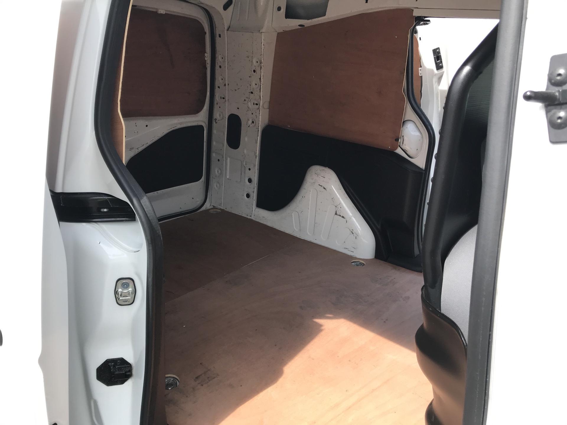 2015 Peugeot Partner L2 750 S 1.6 92PS EURO 5 (NX65VBU) Image 19