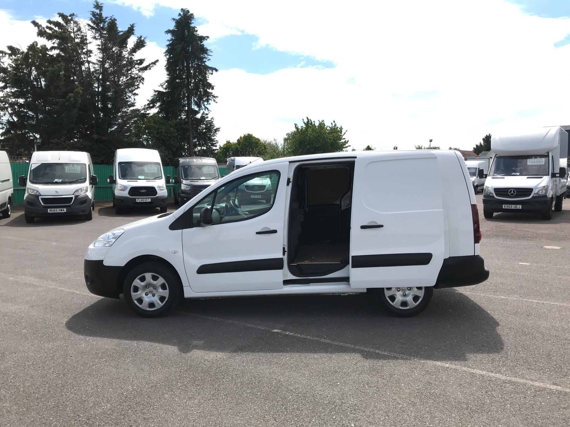 2015 Peugeot Partner L2 750 S 1.6 92PS EURO 5 (NX65VBU) Image 17