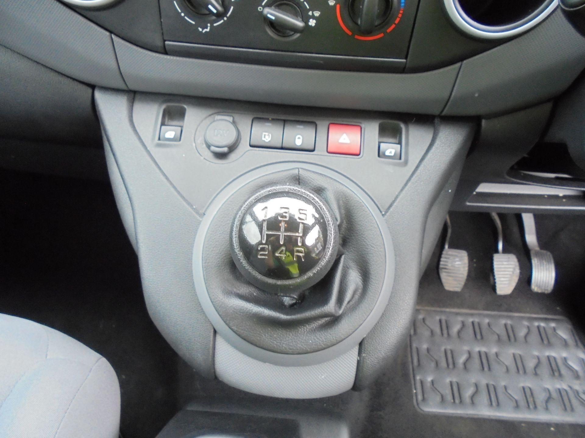 2015 Peugeot Partner 750 S 1.6 Hdi 92 Van LWB (NX65VCF) Image 4