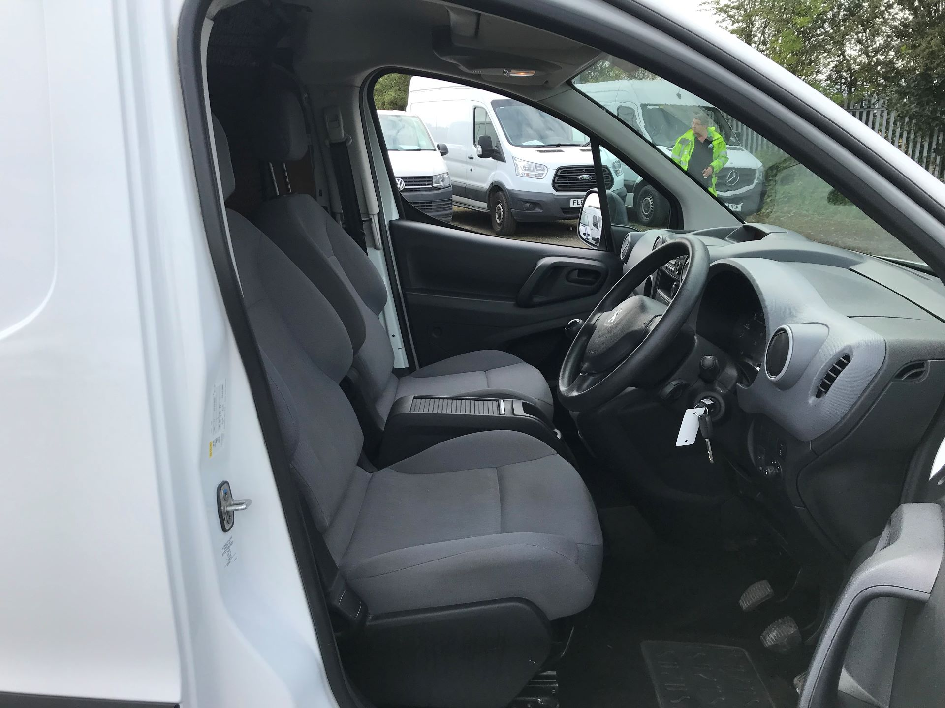 2015 Peugeot Partner 850 S 1.6 Hdi 92 Van [Sld] (NX65VCV) Image 11