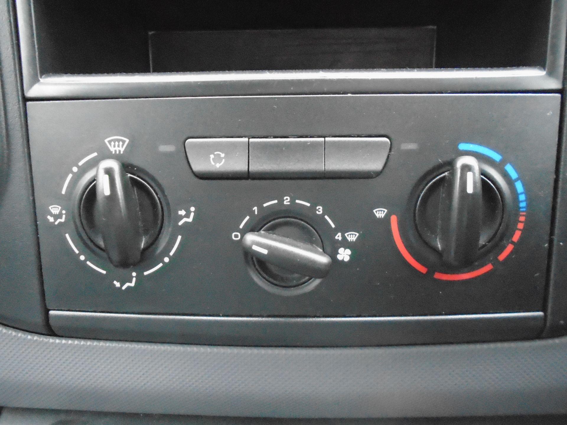 2015 Peugeot Partner L1 850 S 1.6 92PS (SLD) EURO 5 (NX65WZV) Image 21