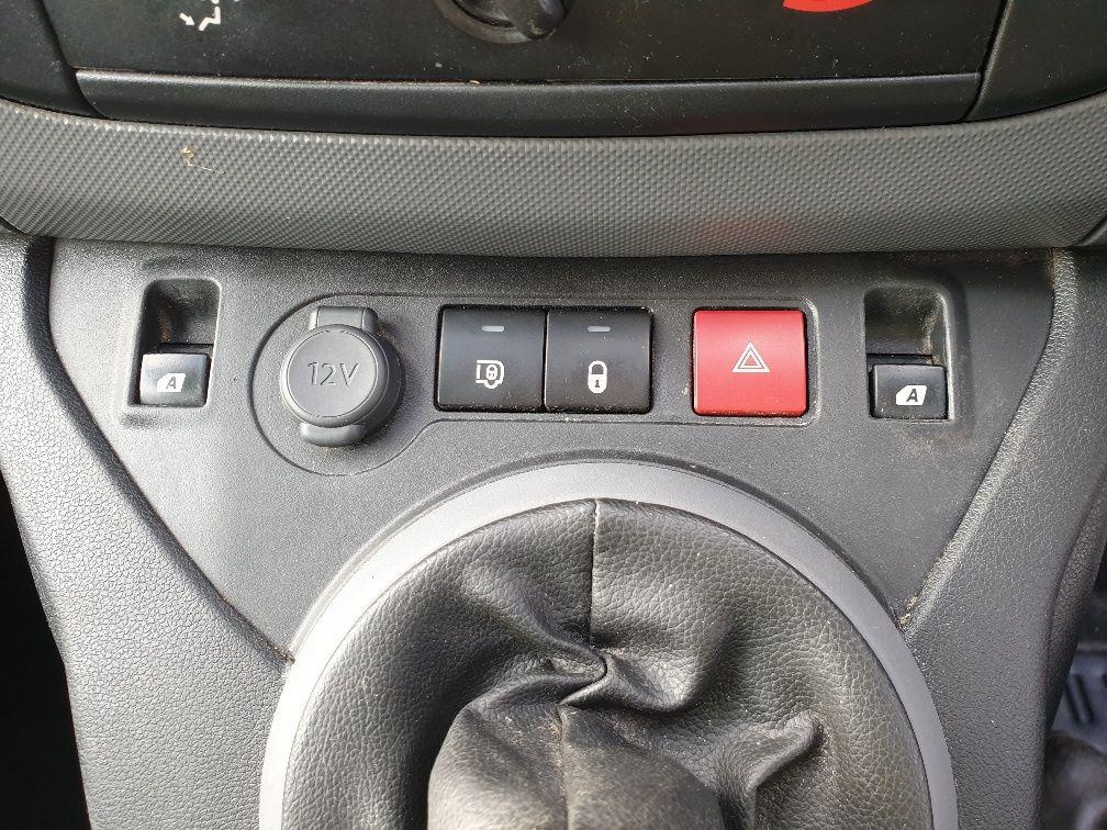 2015 Peugeot Partner L1 850 S 1.6 92PS (SLD) EURO 5 *SPEED RESTRICTOR SET AT 70MPH* (NX65YDU) Image 22